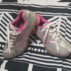Nike navina2 excellent condition